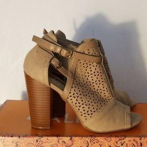 Shoes - Womens Heels